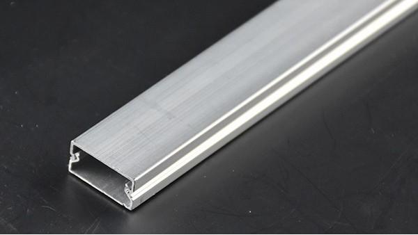 如何固定铝合金线槽 铝合金线槽固定方法